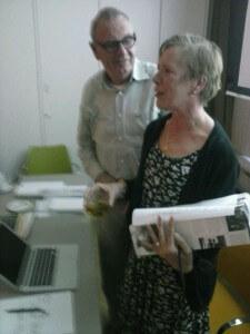 Voorzitter Koen Baart bedankt locatiemanager Marja Verhoeve voor haar presentatie.